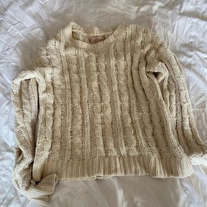 White loose knitted sweater